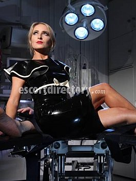 Escort Mistress Courtney