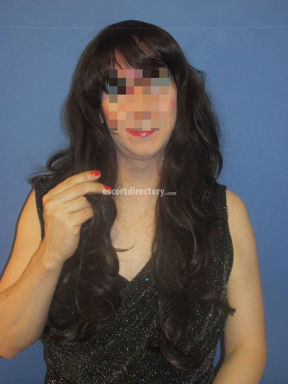 Louise_Gillian_Cox T-Girl from Leeds - tvChix