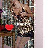 Escort Amelia for COUPLE single