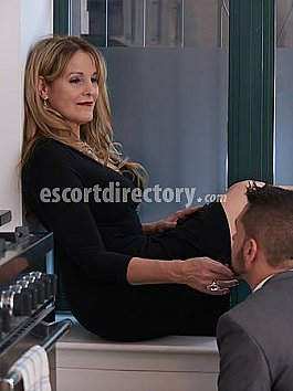 Escort Mistress Vivian
