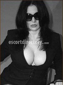 Escort Baronesse Rubin