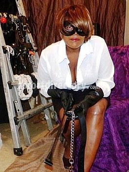 Escort Black Governess