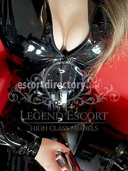 Escort Domina Carolin
