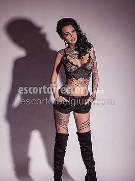 Escort Eva Model