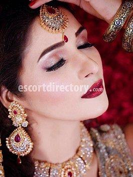 Escort Deepika Raut